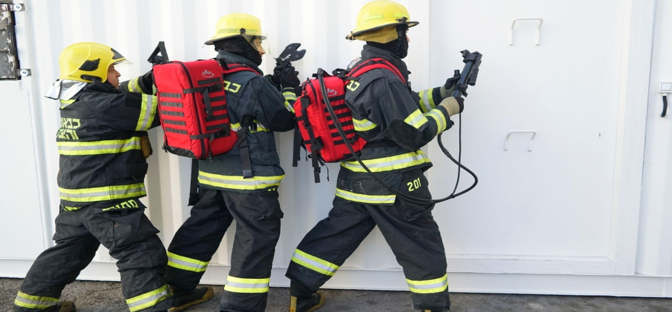 SAN - leader v taktických zásahových zařízení - hasičské záchranné operace